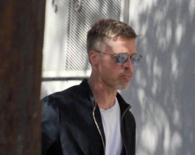 Brad Pitt xuất hiện gầy gò, hốc hác sau ly hôn