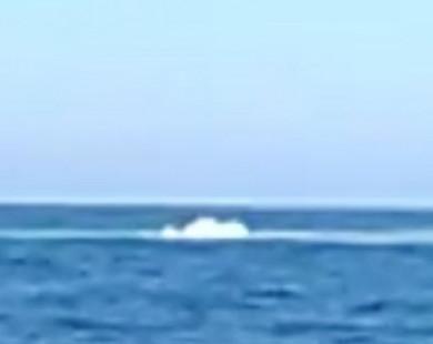 Truy tìm nguồn gốc vụ nổ bí ẩn ngoài khơi bờ biển Ý