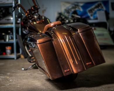 Ngắm Harley-Davidson Fat Boy độ màu đồng sang chảnh
