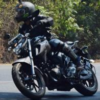"""2017 Yamaha FZ25 có xứng đáng là """"chúa tể đường phố""""?"""
