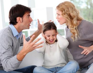 Cãi nhau trước mặt con trẻ: Điều tối kỵ cha mẹ chớ làm