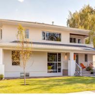 Mẫu nhà 2 tầng đơn giản, tiện nghi cho gia đình 3 thế hệ