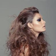 Kiểu tóc đơn giản nhưng luôn nổi bật