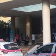 Bệnh viện bán chỗ taxi 40 triệu đồng/tháng