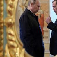 """Bất ngờ """"gây bão"""" chính trường Nga, Tổng thống Putin đang chọn con đường giống một nhà lãnh đạo châu Á?"""